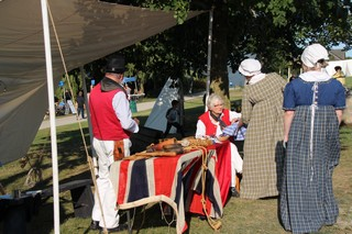 Chatting with other reenactors